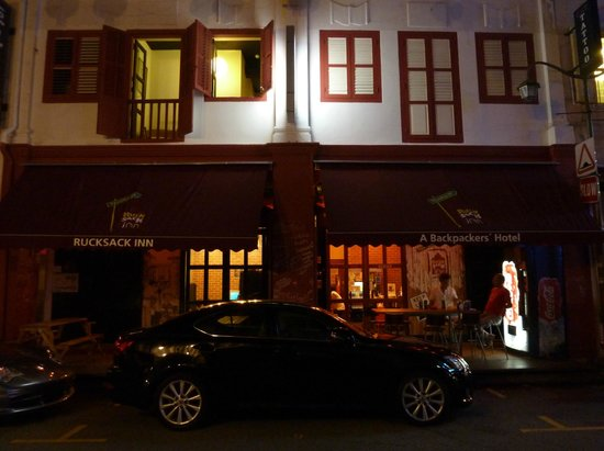 Beds and Dreams Hostel at ChinaTown: Rucksack Inn @ Temple Street, Singapore
