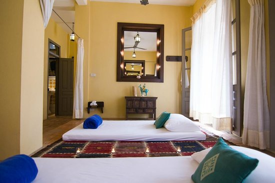 Satri House: Spa - Indochine Beds