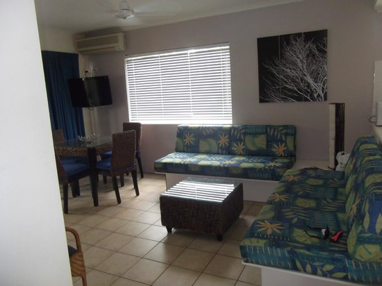 BEST WESTERN Mango House Resort: One bedroom apartment-lounge/dining