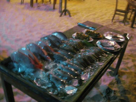 Mai Spa & Resort: seafood beach bbq