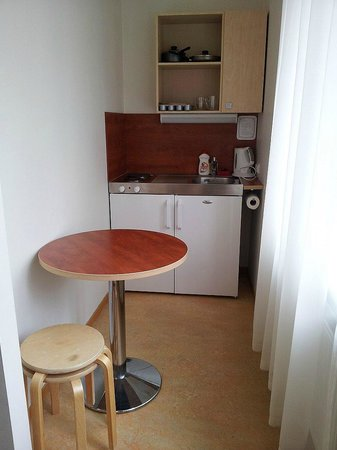 Hommiku Hostel & Guest House : Great little kitchenette