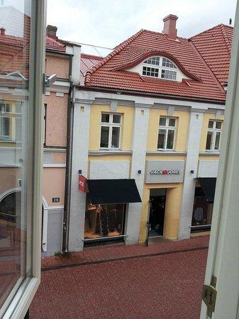 Hommiku Hostel & Guest House : Another great view of Hommiku Street
