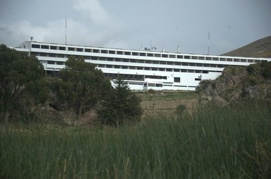 Libertador Lake Titicaca: View of the hotel from the lake