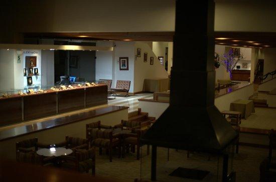 Libertador Lake Titicaca: Hotel lobby