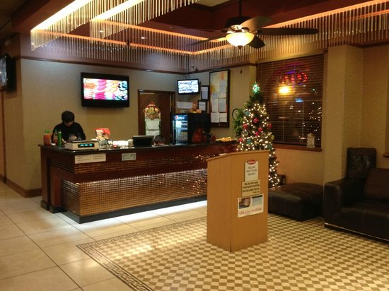 Hibachi Supreme Buffet: Main entry and greeting area.
