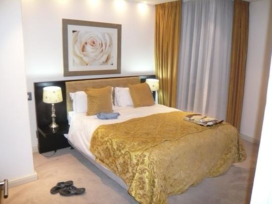 Mandela Rhodes Place Hotel: one of the two bedrooms