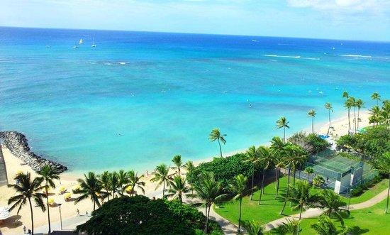 Waikiki Shore: Amazing view of waikiki beach and ocean from Lanai of apartment 