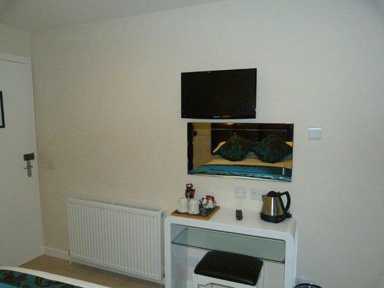 The Aberlour Hotel: tv