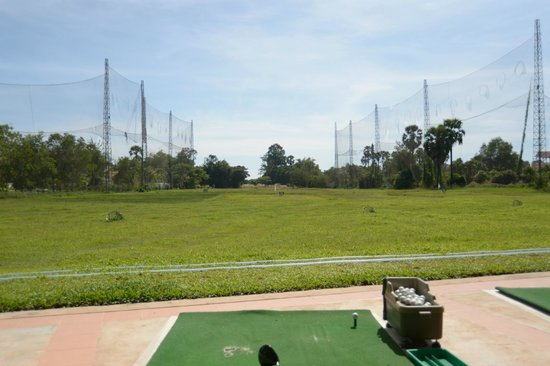 Angkor Palace Resort & Spa: Driving range