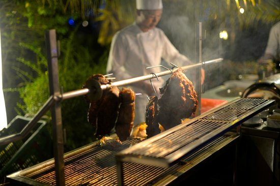 Angkor Palace Resort & Spa: evening bbq