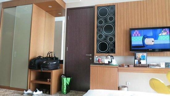 Hotel H2O: Tastefully furnished bedroom.