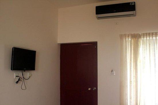 Cherai Beach Residency: room