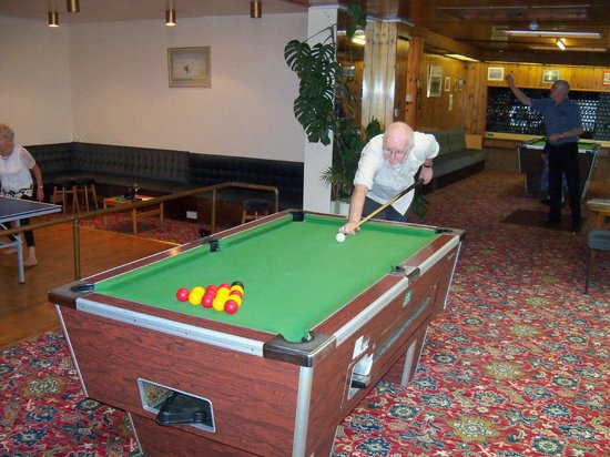 Eliot Hotel: the games room with pool darts & table tennis