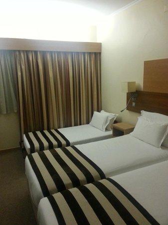 Hotel Principe Lisboa: habitacion triple 3 planta