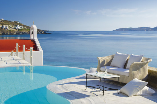 Mykonos Grand Hotel & Resort: Deluxe Suite outdoor area
