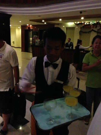 Angkor Riviera Hotel: Welcome Drinks