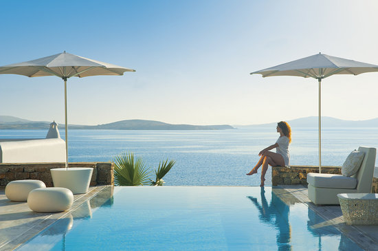 Mykonos Grand Hotel & Resort : Enjoying views to Aegean