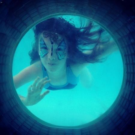 Rydges South Bank Brisbane: pool porthole fun