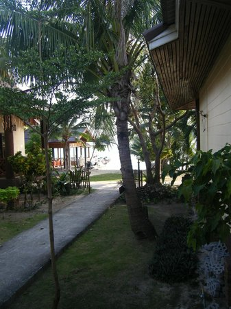 Phi Phi Villa Resort: Outside our Bungalow