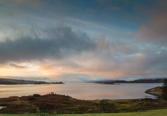 Loch Melfort Hotel and Restaurant: Sunset from our window