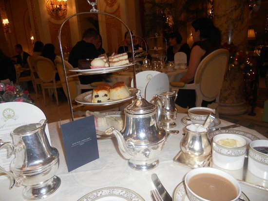 The Ritz London: Cakes, Scones & Finger Sandwiches