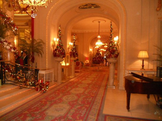 The Ritz London: Ritz Hotel London - lobby next to the Palm Court
