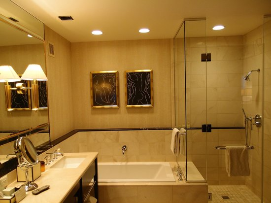 Deluxe King Suite Bathroom Picture Of Encore At Wynn