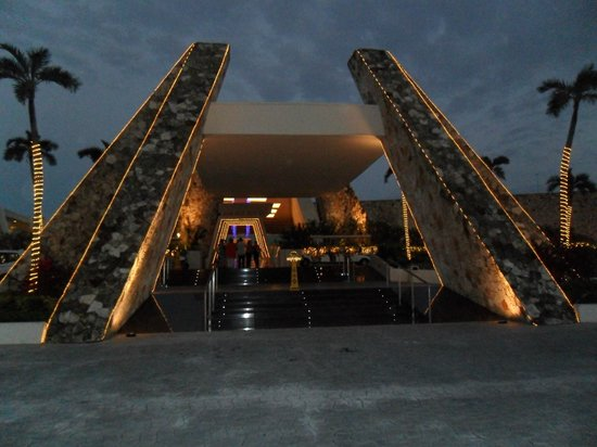 Grand Sirenis Riviera Maya Resort & Spa: Main Lobby Entrance