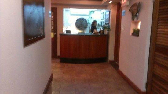 Oceana Hostal Playero: Reception Area