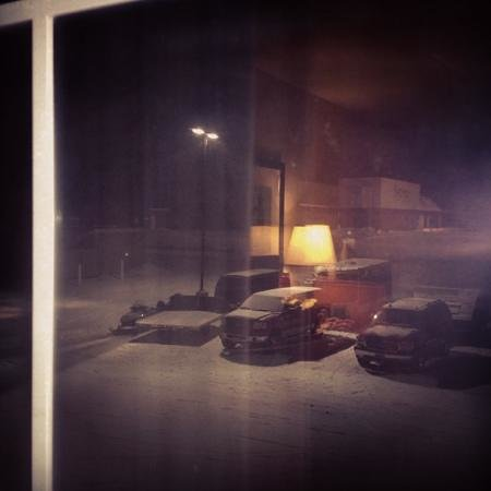 AmericInn Lodge & Suites Munising: parking lot is well lit all night