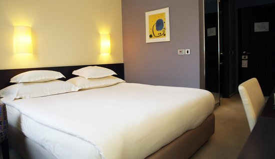 Standard double room picture of life design hotel for Design hotel belgrade