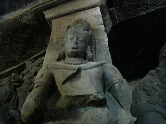‪‪Elephanta Caves‬: Standing Tall‬