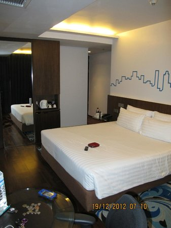Galleria 10 Hotel Bangkok by Compass Hospitality : room