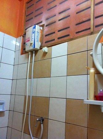 B & L Guesthouse : e' un piacere fare la doccia