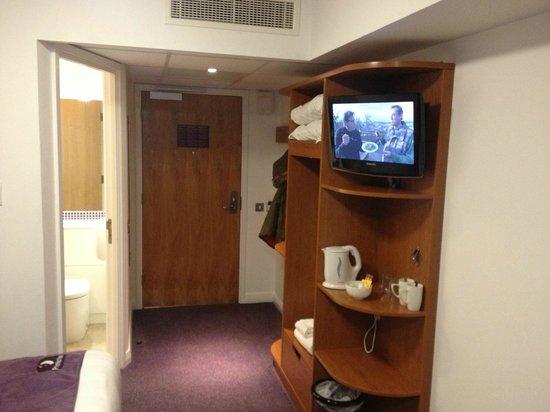 Premier Inn Swanley Hotel : double room