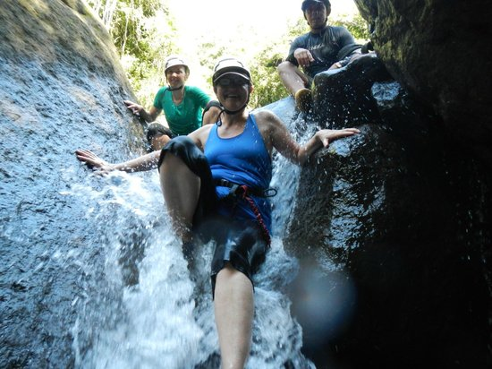 Diamante Verde Tours: Sliding down a small waterfall