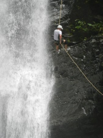 Diamante Verde Tours: Dad rappelling