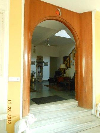 Barwara Kothi: vestibule