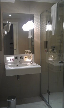 Best Western Plus Elysée Secret : Salle de bain
