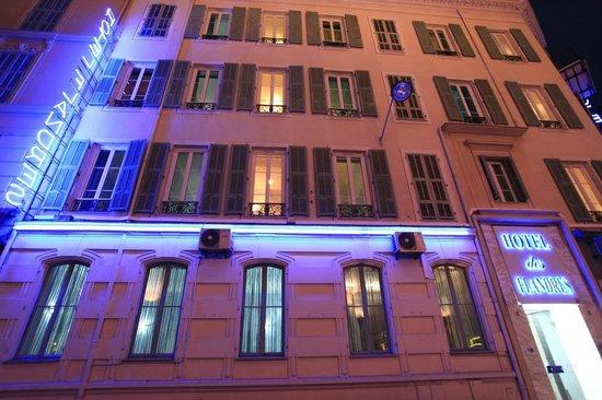 Hotel des Flandres : façade de l'hotel