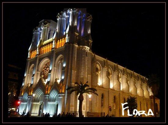 Hotel des Flandres: cathédrale notre dame