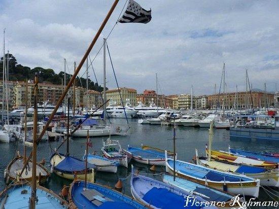 Hotel des Flandres: le port de Nice