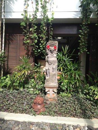 Melia Bali Indonesia: на территории отеля