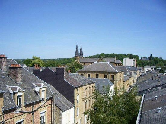 Hotel le Cleves: Vue de la Terrasse du dernier étage de l'Hôtel Le Clèves (PCB)