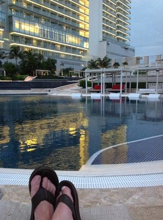 Sandos Cancun Luxury Resort: Relaxed!