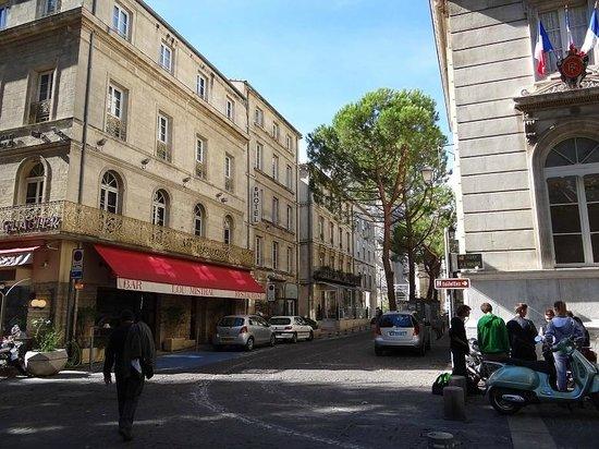 Hotel de l'Horloge: rua do hotel