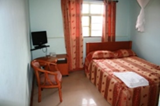 Sadili Oval B & B: Single room with own toilet/bathroom