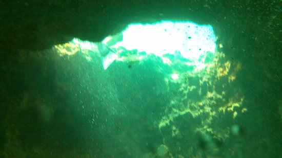 Staniel Cay Yacht Club: One of the openings into the Grotto.