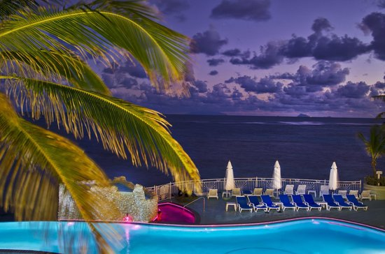 Oyster Bay Beach Resort: View of St. Barths at Sundown