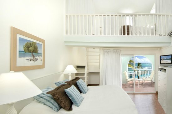 Oyster Bay Beach Resort: Duplex room interior